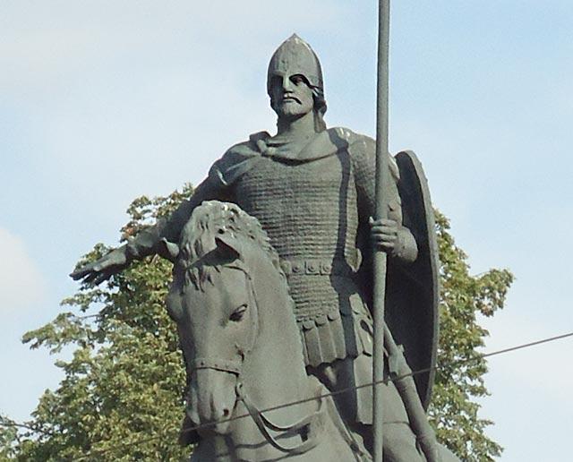 Картинки по запросу фото памятника Александра невского у лавру